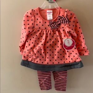 Girls 2t outfit, coral and grey, NWT